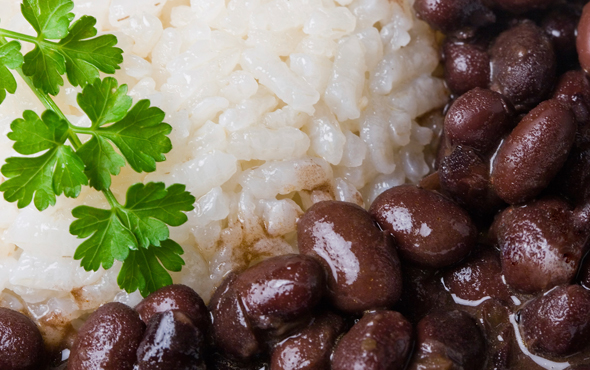 El Popular Black Beans and Rice Recipe